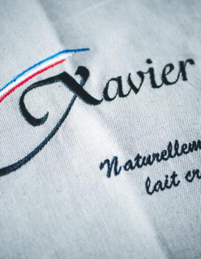 Broderie logo fromagerie Xavier
